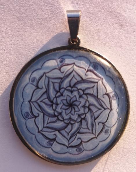 Mandala belasomodrá - Ozdobný prívesok