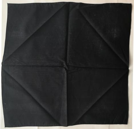 Čierna šatka - Pevná tkanina (50 x 50 cm)