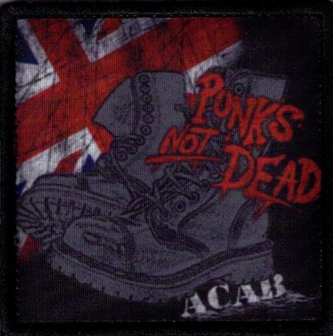 PUNKS NOT DEAD 05 - UK vlajka, ťažké boty a ACAB c pozadí
