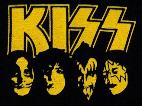 KISS - Logo s fotkou kapely