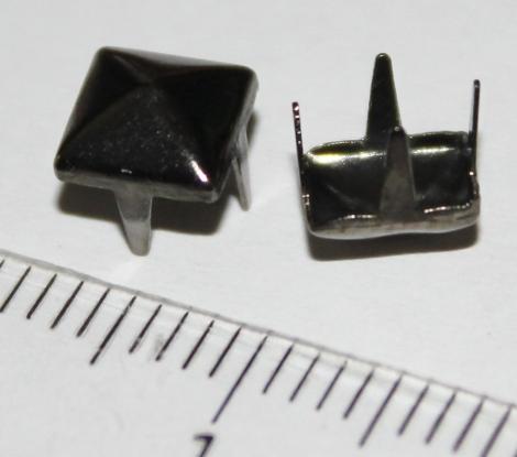 PYRAMÍDA 6 mm OBSIDIANOVÁ - Jednotlivý vybíjanec