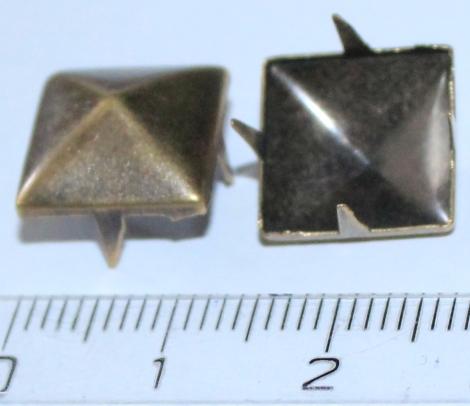 PYRAMÍDA 12 mm MOSADZNÁ - Jednotlivý vybíjanec