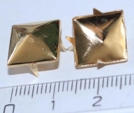 PYRAMÍDA 12 mm ZLATÁ - Jednotlivý vybíjanec